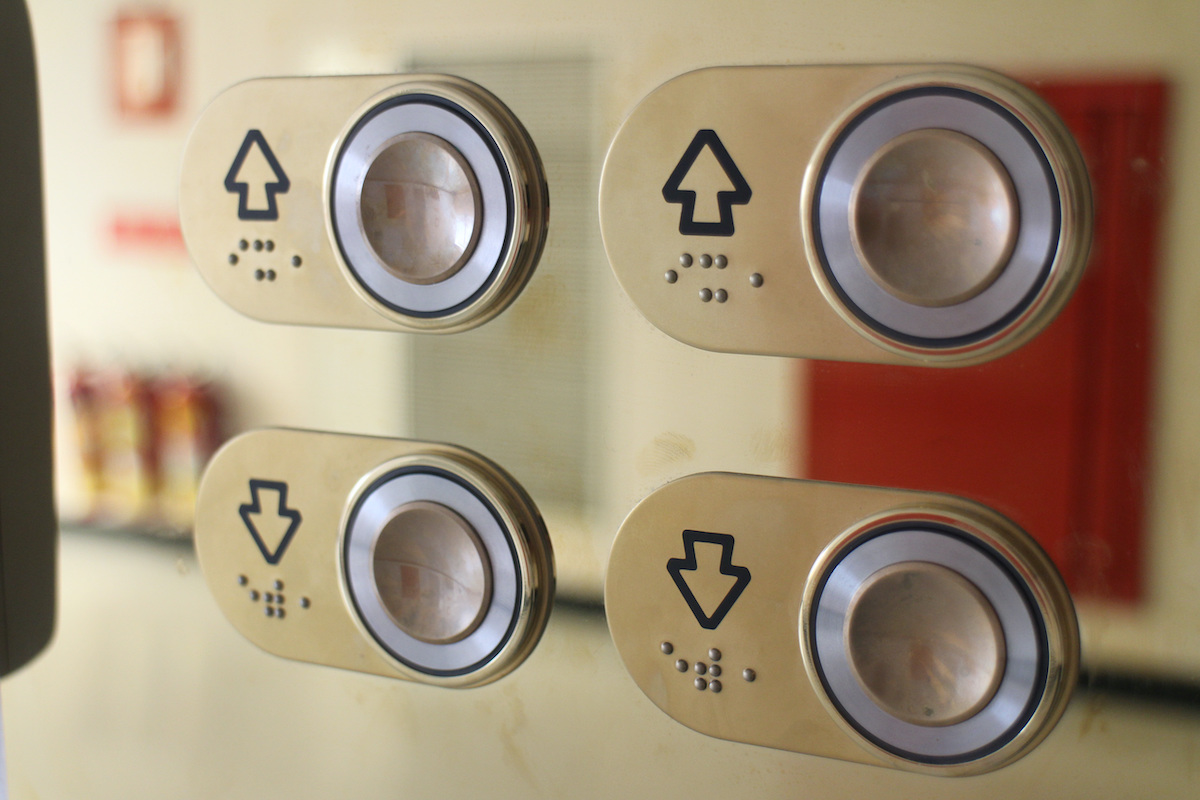 braille elevator buttons